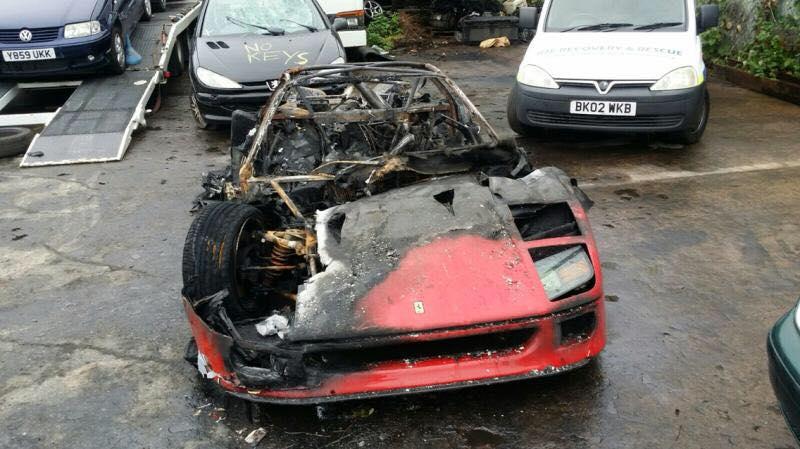 """Ferrari F40 - L'auto """"inglese"""" in fiamme nel 2016"""