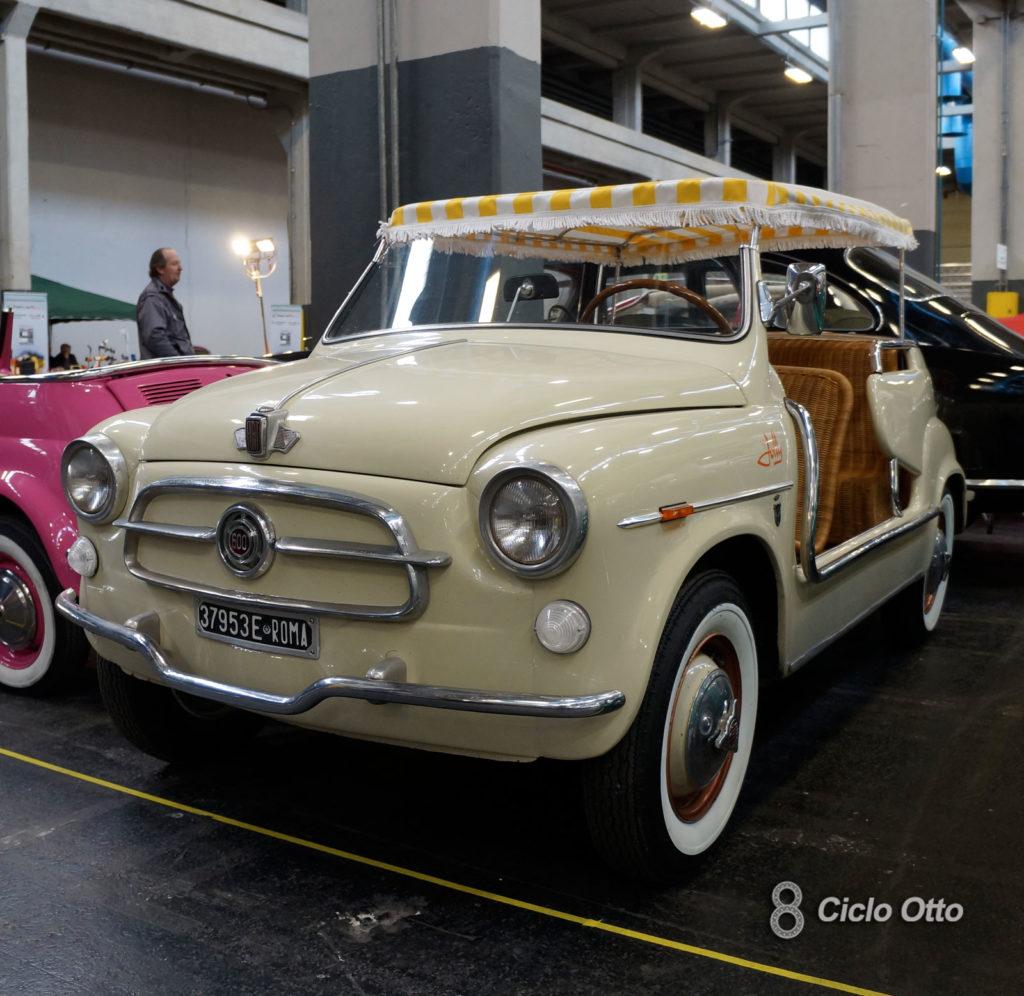 Spiaggina: Fiat 600 Jolly Ghia - Automotoretrò, Torino 2020 - Immagine Ciclootto