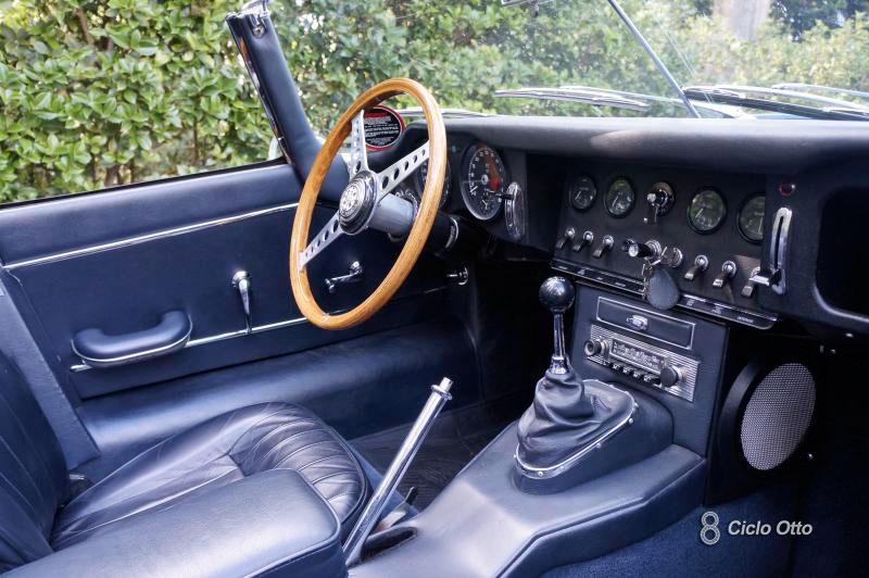 Jaguar E-Type - Interni