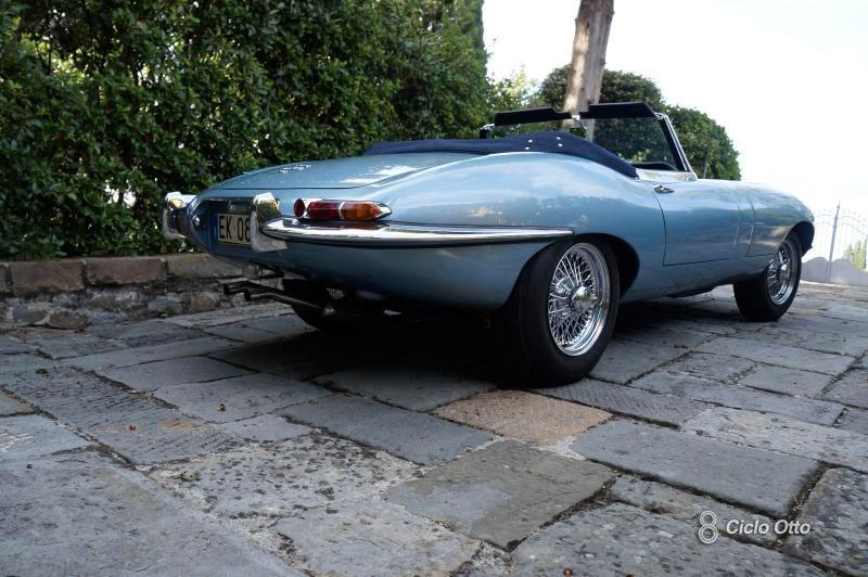 Jaguar E-Type - Posteriore