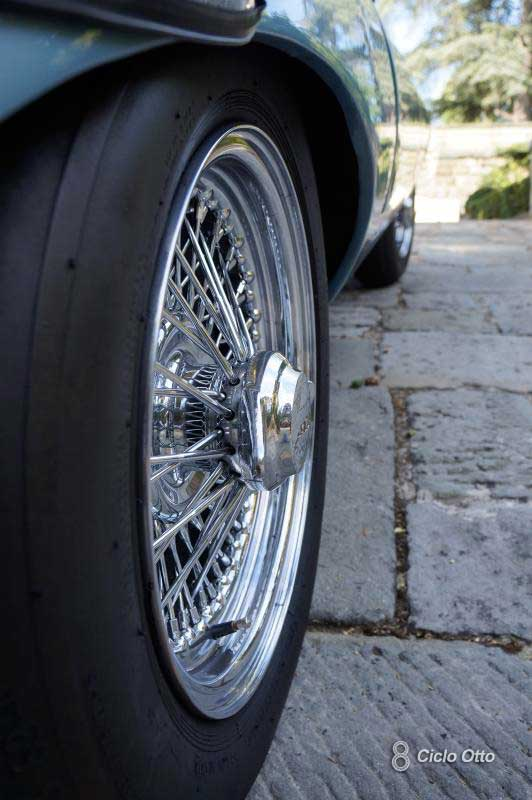 Jaguar E-Type - Ruote a Raggi
