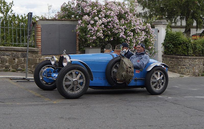 Mille Miglia 2019 - Bugatti al passaggio di Vinci
