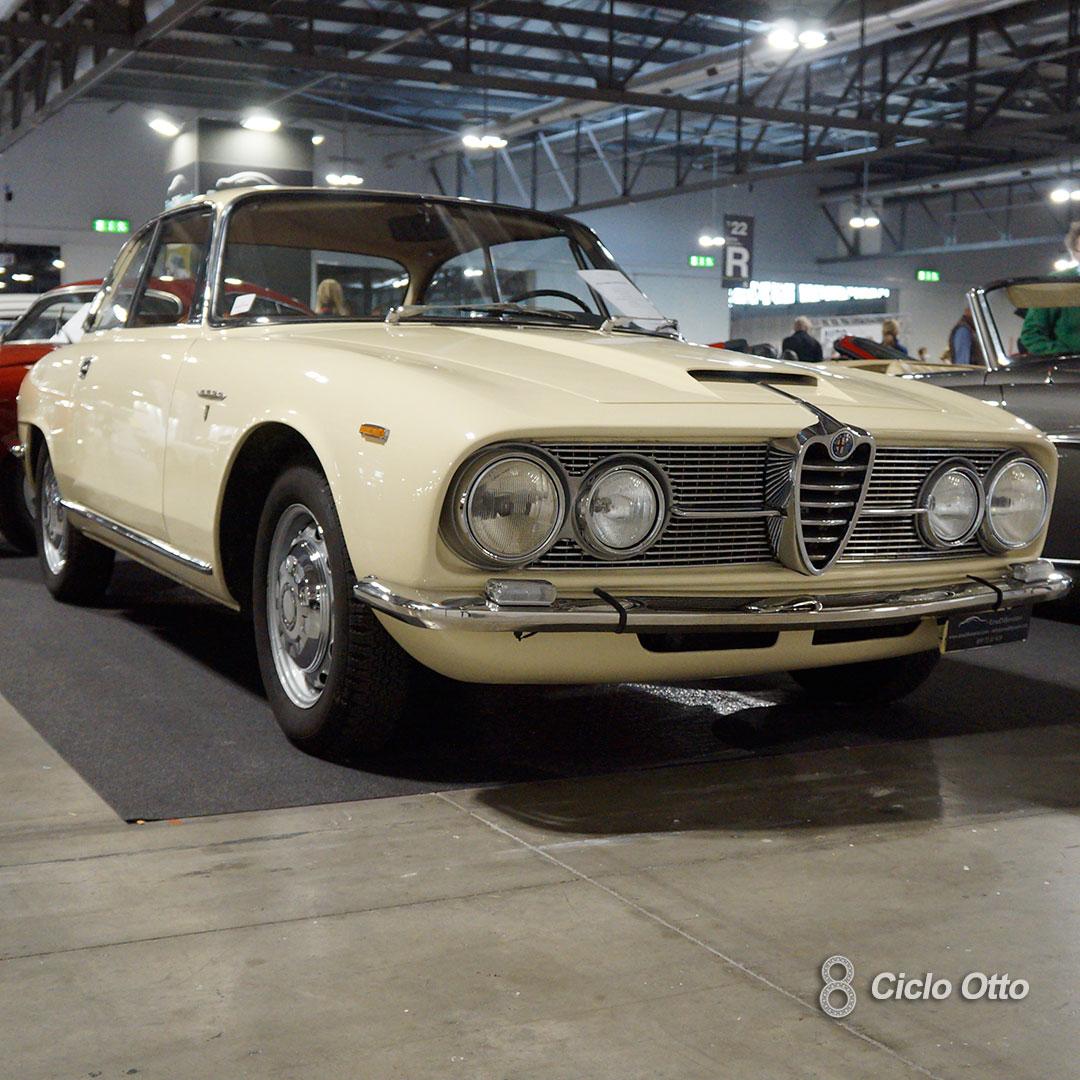 Alfa Romeo 2600 Sprint - © Ciclootto.it
