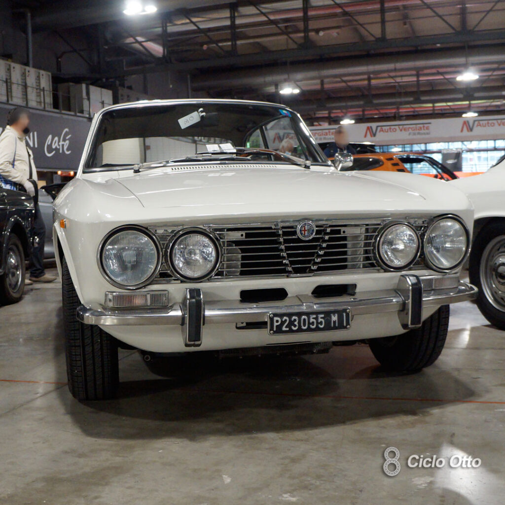 Alfa Romeo 2000 GT Veloce - Biancospino Color - © Ciclootto.it
