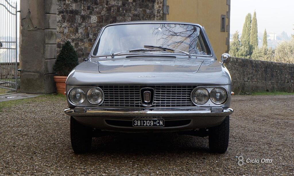 Fiat 1300 S Coupé Vignale - Frontale: notare le analogie con la Fulvia