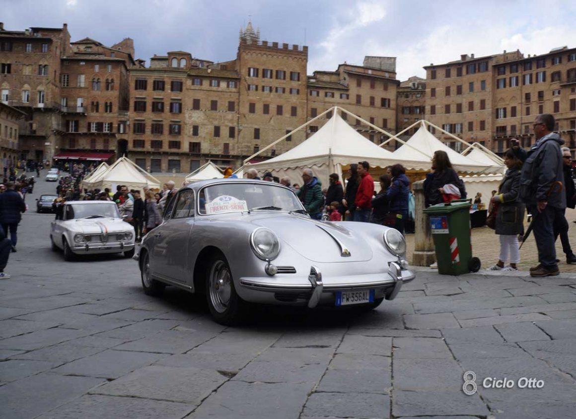 Porsche 356 SC Piazza del Campo - Firenze-Siena Historic 2019 - © Ciclootto.it