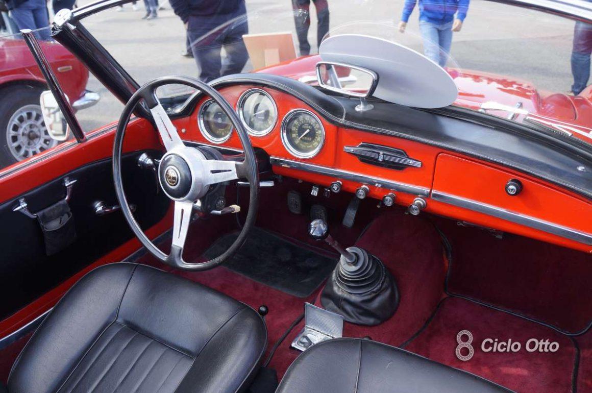 Alfa Romeo Giulia Spider - Strade Bianche Vino Rosso 2021
