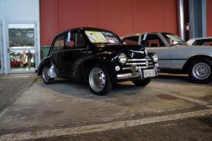 Renault-4CV 0
